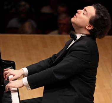 Evgeny Kissin performs Beethoven piano sonatas | Presto