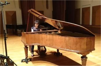 Noriko Ogawa recording Satie on an Érard piano